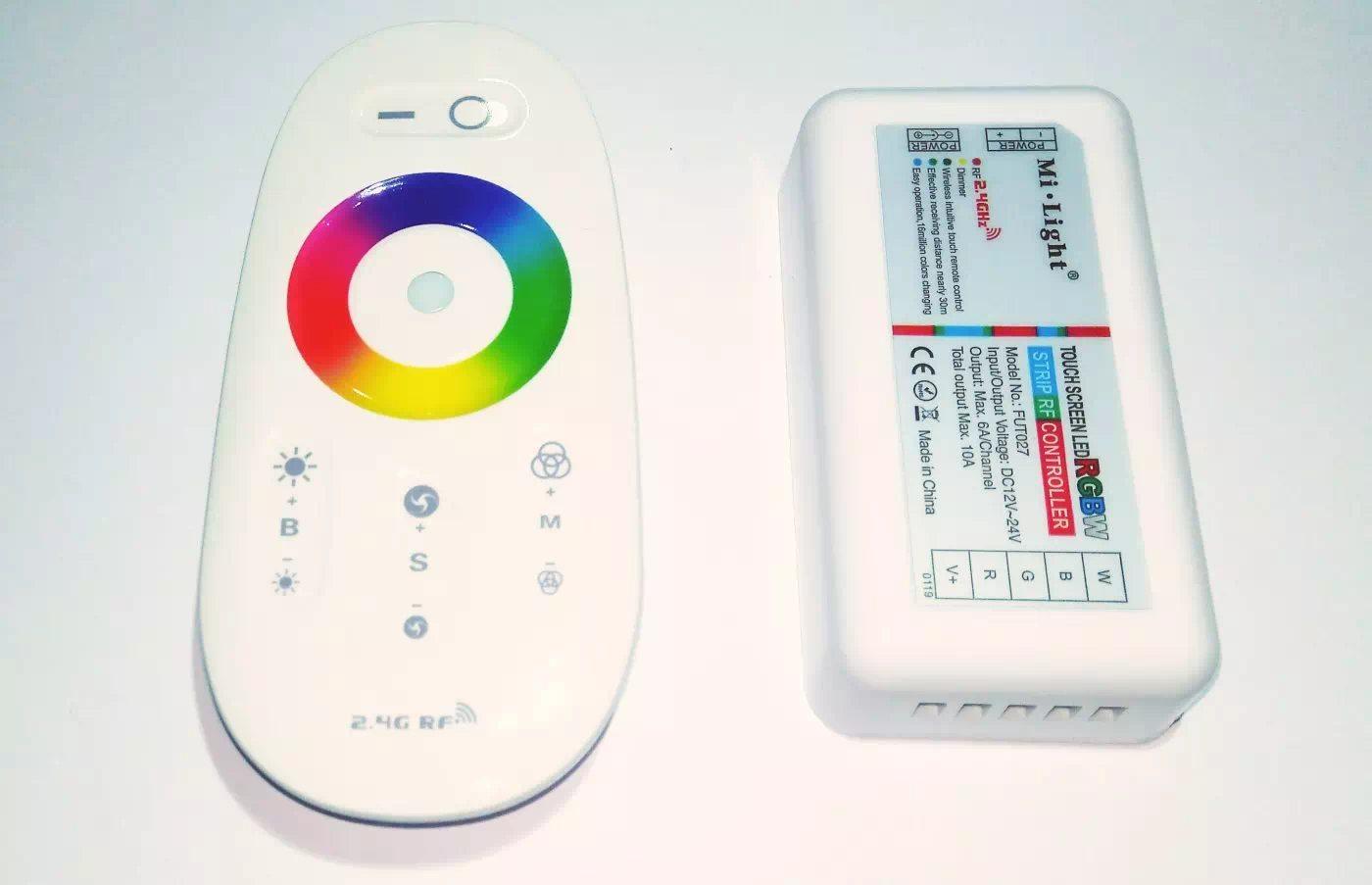 Mi-Light 2.4G 1 zónás rádiófrekvenciás távirányítós 12-24Voltos RGBW vezérlő (4x6Amper)